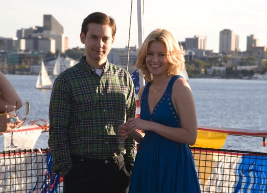 Elizabeth Banks i Tobey Maguire w \