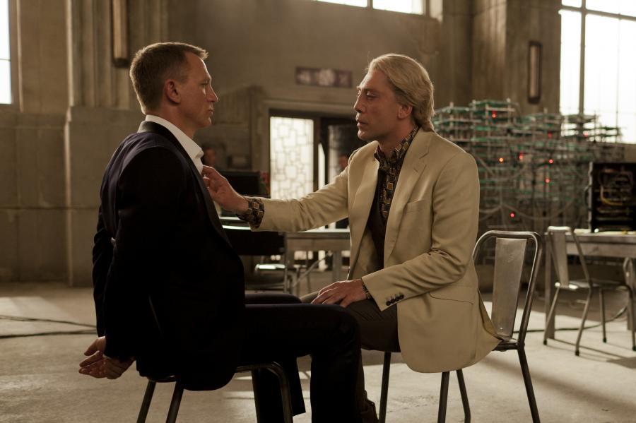 Daniel Craig i Javier Bardem w głośnej scenie ze \