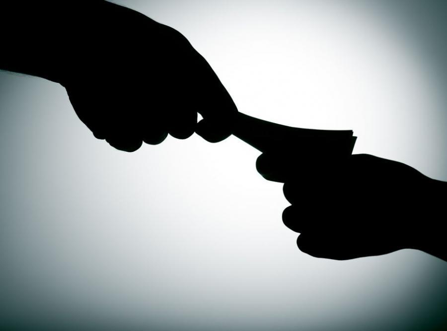 Rząd zakazał urzędnikom przyjmowania drogich prezentów