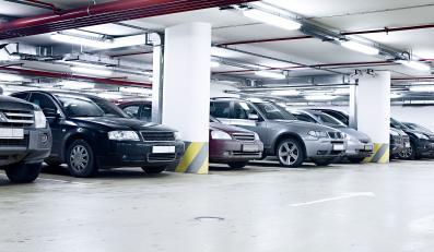 garaż parking