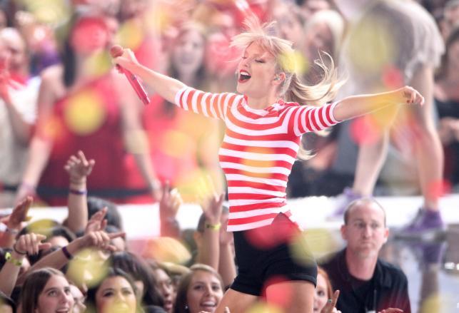 """Taylor Swift jedną z gwiazd składanki """"Grammy Nominees 2013"""""""