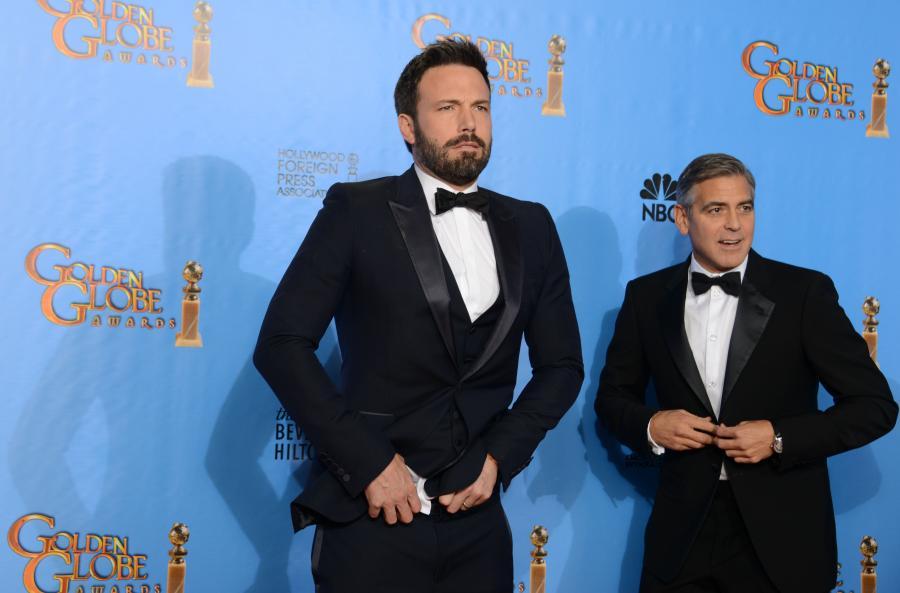 Ben Affleck w towarzystwie George\'a Clooney\'a, ale zapatrzony w Brada Pitta