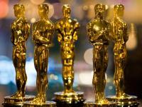 Jak zdobyć Oscara? Sprawdzone sposoby na Akademików [ZDJĘCIA]