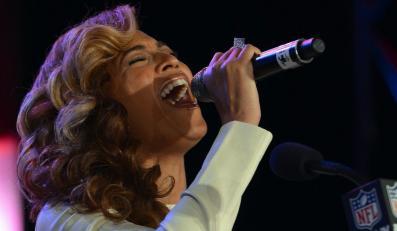 """Beyoncé wykonała bezbłędnie """"The Star Spangled Banner"""""""