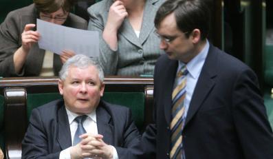 Jarosław Kaczyński i Zbigniew Ziobro podczas posiedzenia Sejmu, styczeń 2008