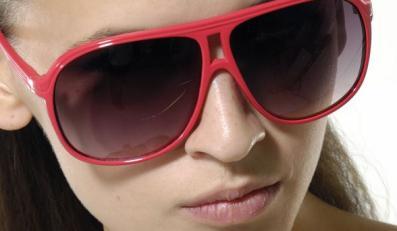 Oprawki dla modnej okularnicy
