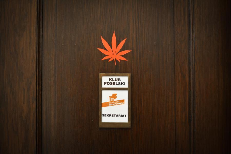 Dzwi klubu Ruchu Palikota