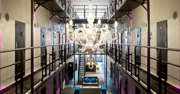 Hotel w więzieniu