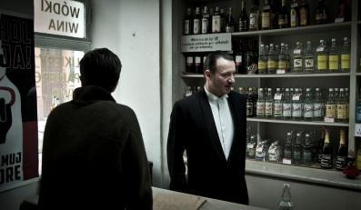 """Robert Więckiewicz znakomity w filmie """"Pod Mocnym Aniołem"""""""