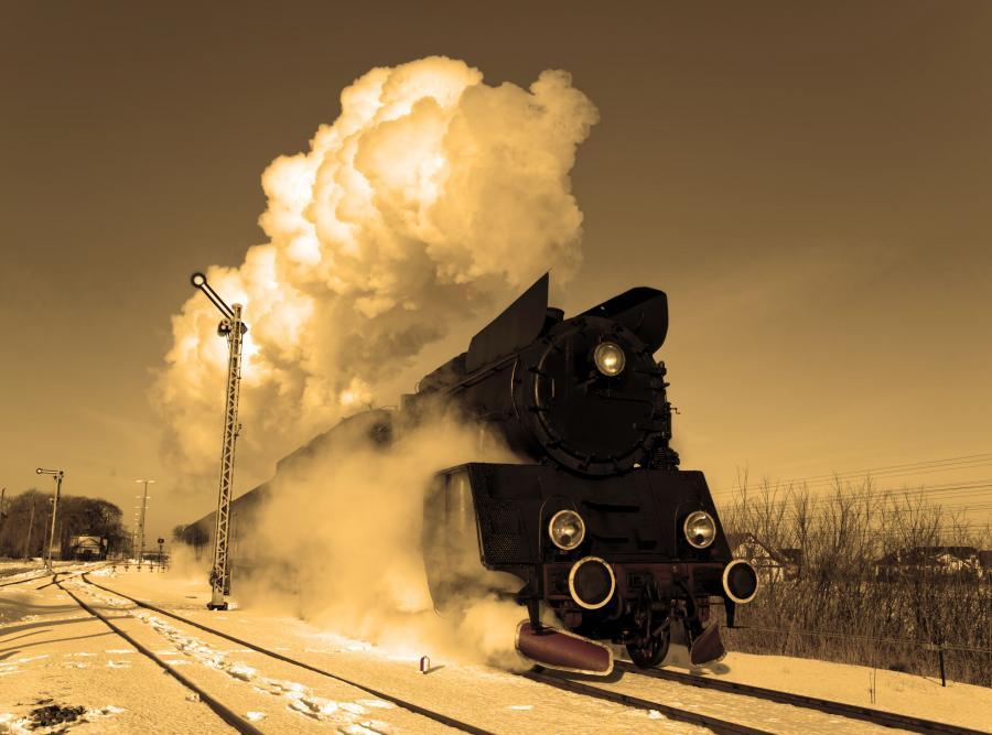 lokomotywa spalinowa pociąg spalinowy