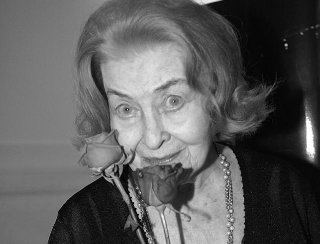 Nina Andrycz uwielbiała kwiaty