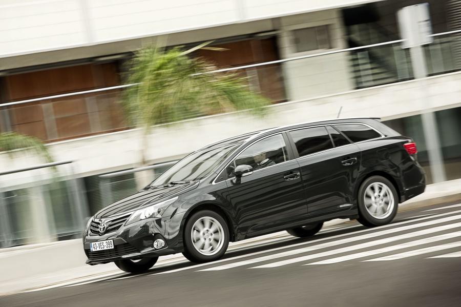 Toyota - 2. miejsce w klasyfikacji producentów w raporcie J.D. Power