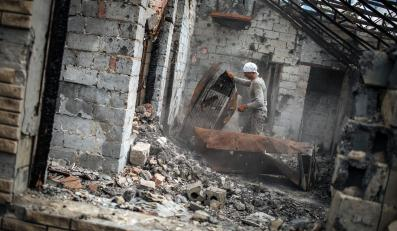 Zniszczenia na przedmieściach Słowiańska