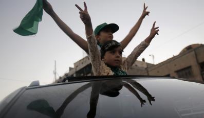 Mieszkańcy Autonomii Palestyńskiej cioeszą się z zakończenia walk