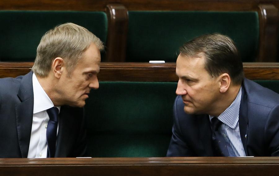 Minister spraw zagranicznych Radosław Sikorski i premier Donald Tusk