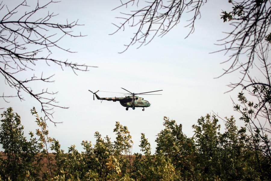 Ukraiński helikopter nad Kramatorskiem na Ukrainie