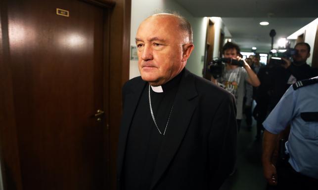 Ofiara księdza-pedofila pozywa Kościół. Zeznawał kardynał Nycz