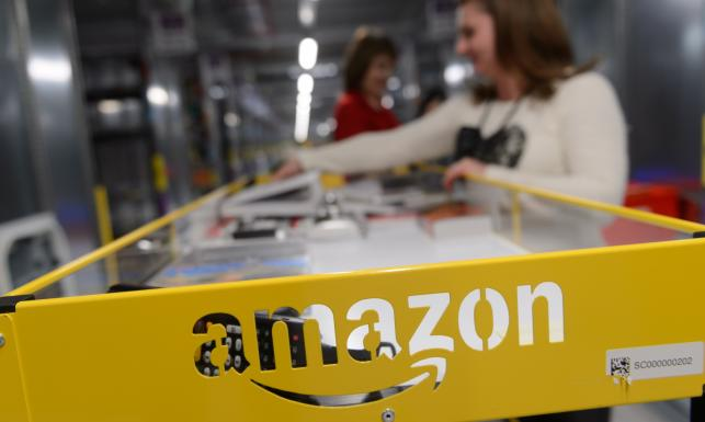 Obiadki, podwózka, premie... Amazon broni się w Polsce przed łatką obozu pracy. FOTO