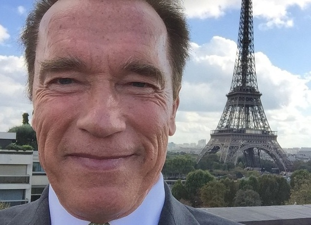 Arnold Schwarzenegger napisał na swoim Facebooku: To prawda. Kocham selfie