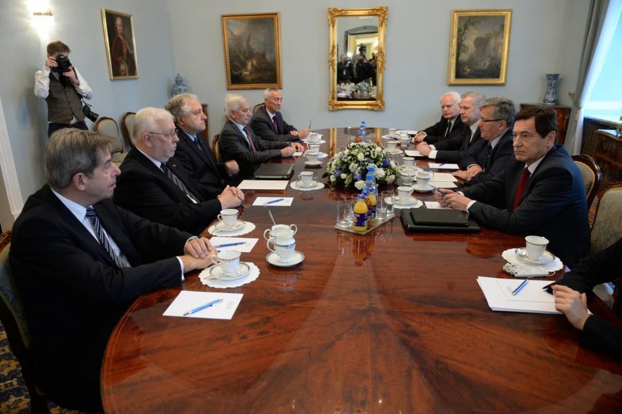 Spotkanie konstytucjonalistów z prezydentem (pierwszy z lewej prof. Andrzej Zoll)