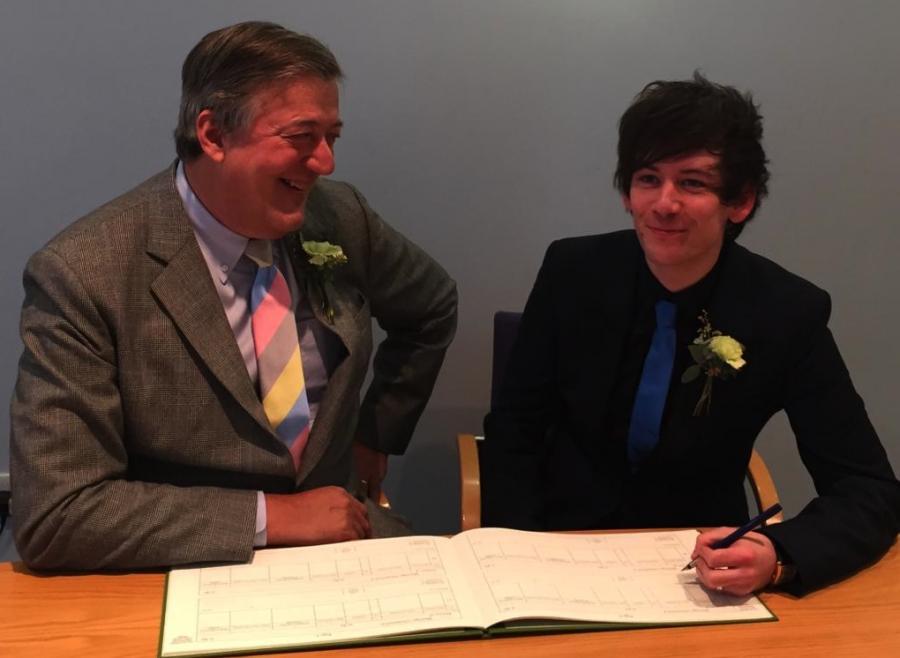 Stephen Fry ożenił się z Elliottem Spencerem