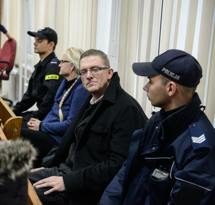 Zatrzymani w siedzibie PKW, reżyser Grzegorz Braun i Hanna Dobrowolska podczas rozprawy przed sądem rejonowym w Warszawie