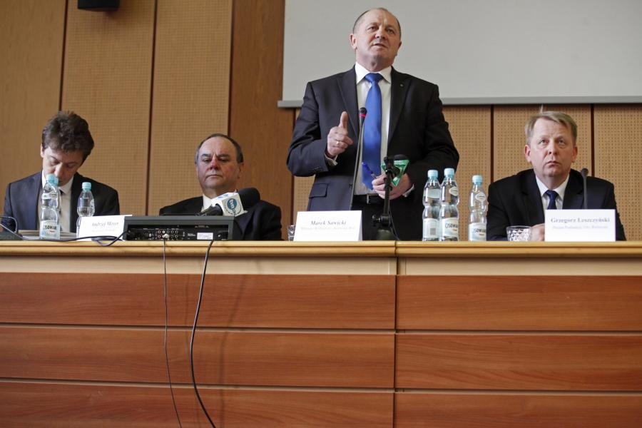 Minister Marek Sawicki podczas spotkania z rolnikami