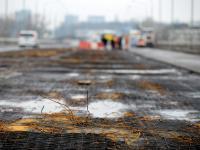 Rozbierają Łazienkowski. Zobacz, jak znika spalony most. ZDJĘCIA