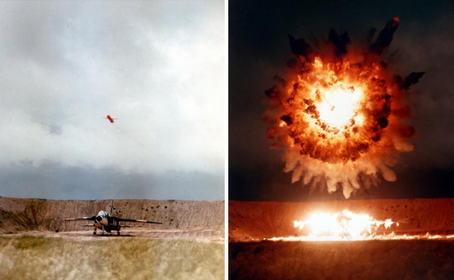 Pocisk tomahawk niszczy samolot / fot. US Navy