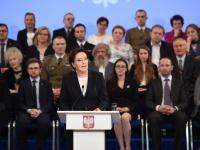 """""""Scenografia przytłoczyła premier Ewę Kopacz"""". OPINIA"""