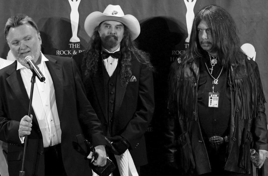 Lynyrd Skynyrd (od lewej): Ed King, Artimus Pyle i Robert \