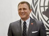"""Daniel """"Bond"""" Craig dostał """"licencję na ratowanie"""" [ZDJĘCIA]"""