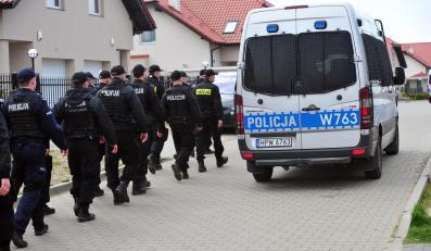 Policja podczas akcji poszukiwawczej