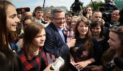 Prezydent Komorowski namawia młodych ludzi m.in. do pójścia na II turę wyborów