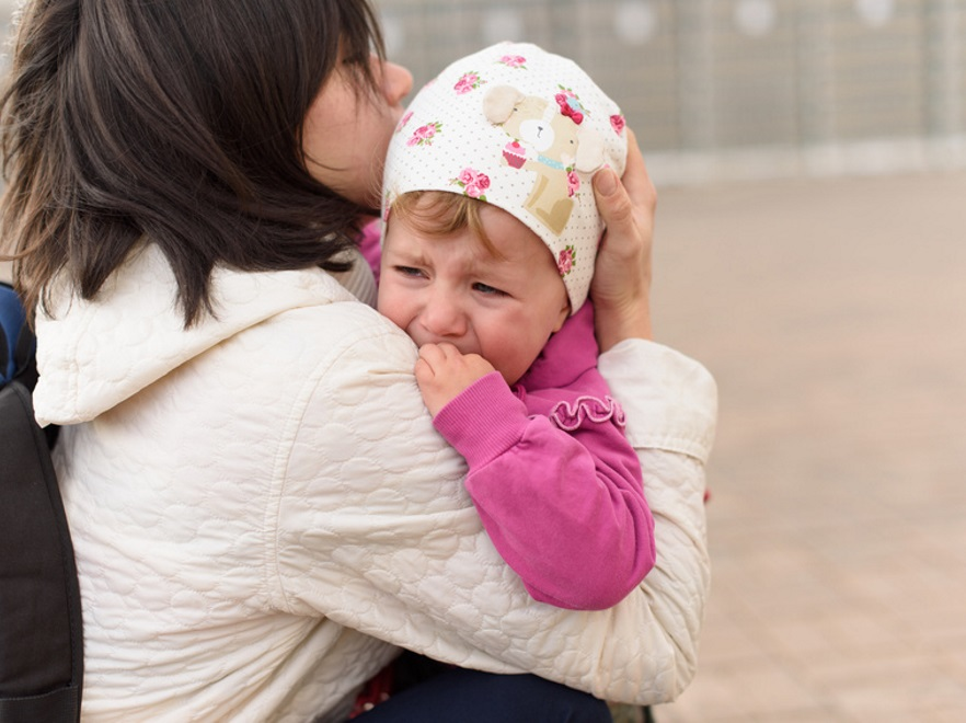 Matka z płaczącym dzieckiem