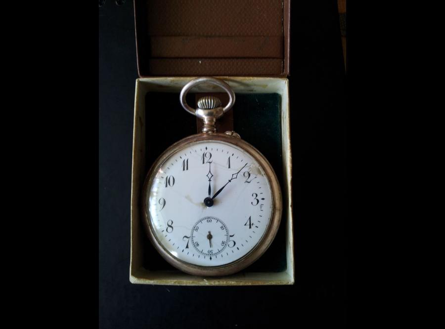 Zegarek z dewizką. Jedyna materialna pamiątka rodzinna, która przetrwała pacyfikację (fot. archiwum Anny Janko)