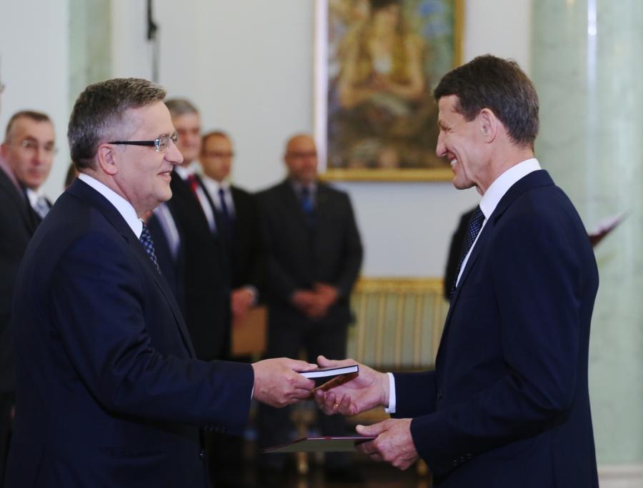 Prezydent Bronisław Komorowski powołał posła PO Andrzeja Czerwińskiego na stanowisko ministra skarbu państwa