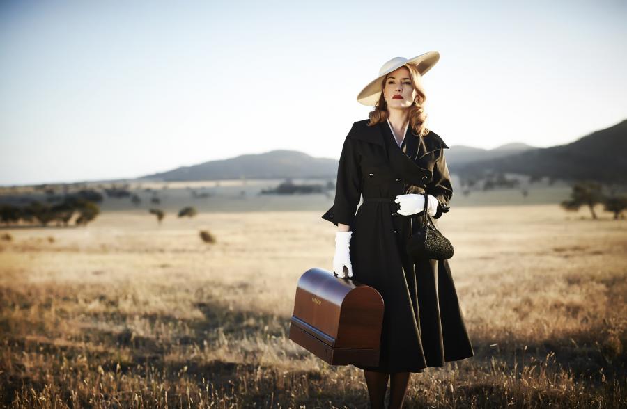 Kate Winslet szyje sukienki w \