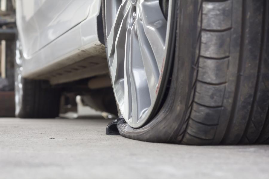 Jak złodzieje kradną samochody w Polsce? Na kolec