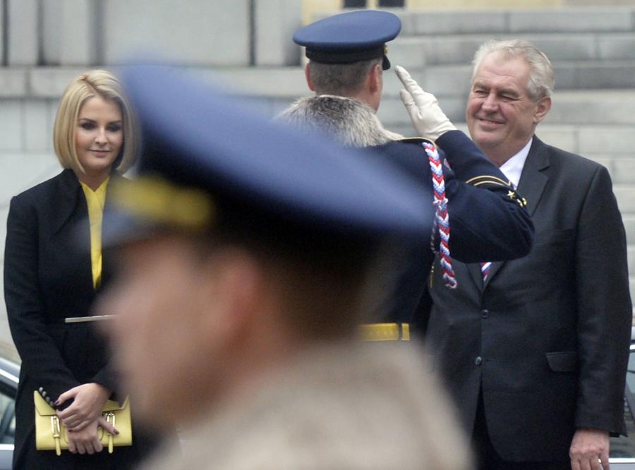 Katerina Zemanova i jej ojciec Milos Zeman, prezydent Czech