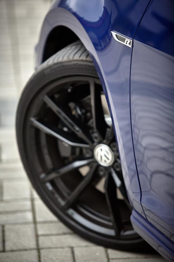 Volkswagen golf R variant