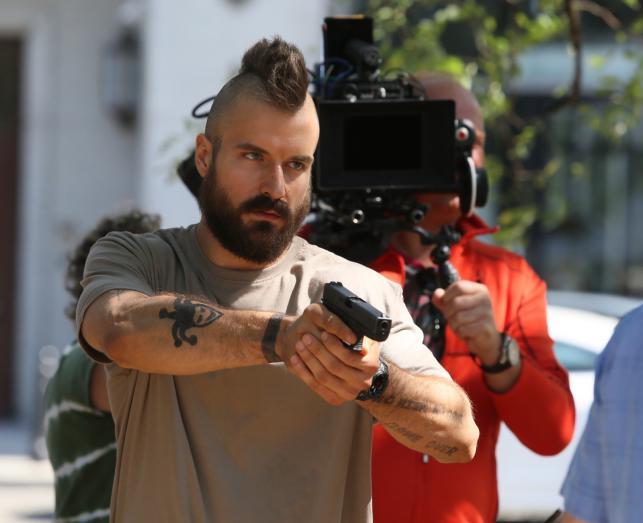 """Piotr Stramowski na planie filmu """"Pitbull. Nowe porządki"""""""
