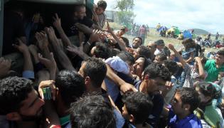 Uchodźcy z Syrii na granicy Serbii i Macedonii