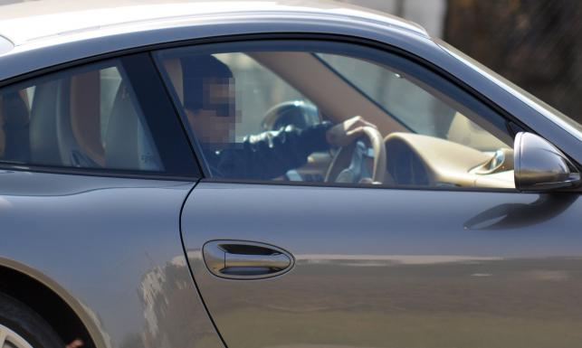 Na co Dubieniecki zamienił tanie auto? Tak lansował się za kierownicą elity