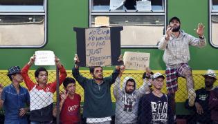 Uchodźcy na stacji w Bicske