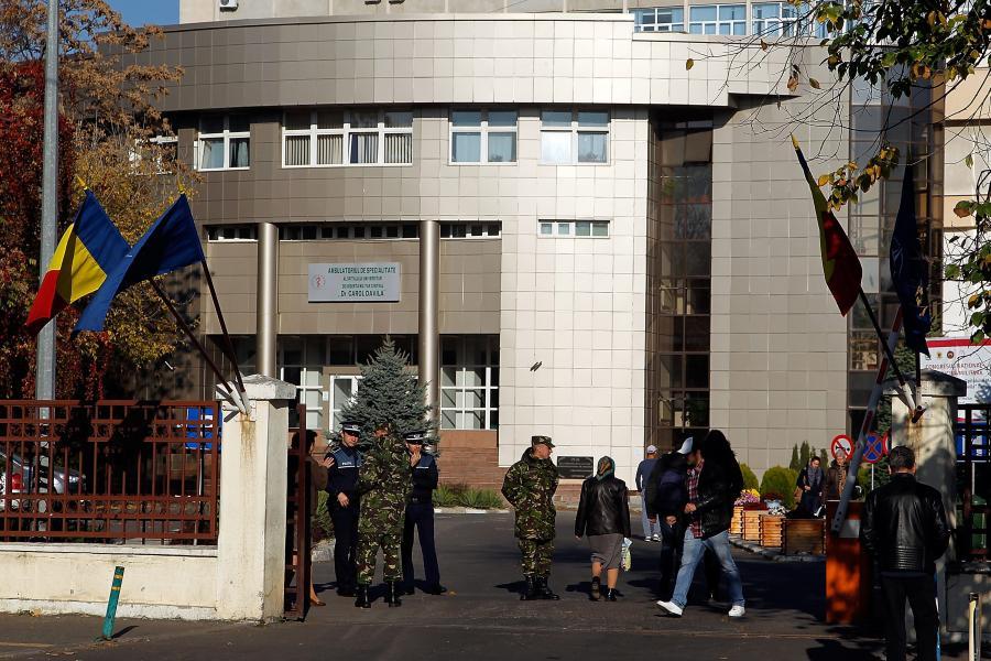 Wojskowy szpital, w którym przebywają ofiary pożaru w klubie