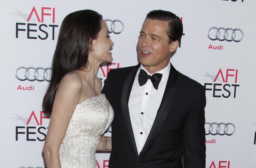"""Angelina Jolie i Brad Pitt na premierze filmu """"Nad morzem"""""""