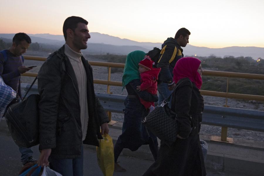 Migranci w drodze do Macedonii