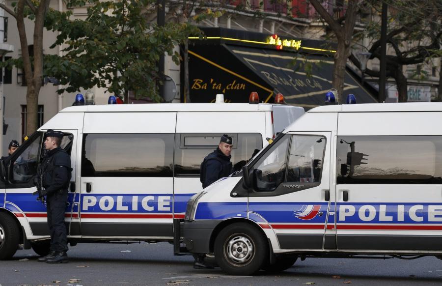 Policja w pobliżu klubu Bataclan w Paryżu