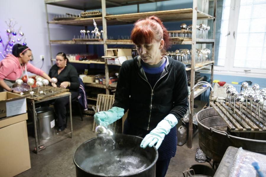 Produkcja bombek i ozdób choinkowych